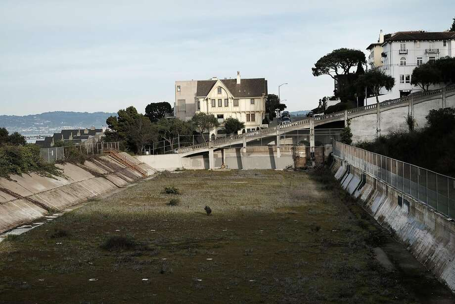 The empty Francisco Reservoir in the Russian Hill neighborhood. Photo: Michael Short, Special To The Chronicle