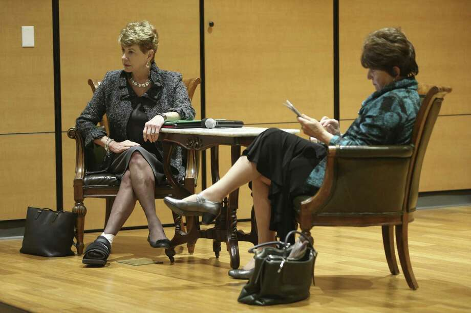 Presidential search consultant Ann Die Hasselmo, left, and Jessica Kozloff facilitate a discussion Wednesday, Feb. 1, 2017 on the University of the Incarnate Word campus about the search for a new president for the university during a forum sponsored by the student government association. Photo: William Luther, Staff / San Antonio Express-News / © 2017 San Antonio Express-News