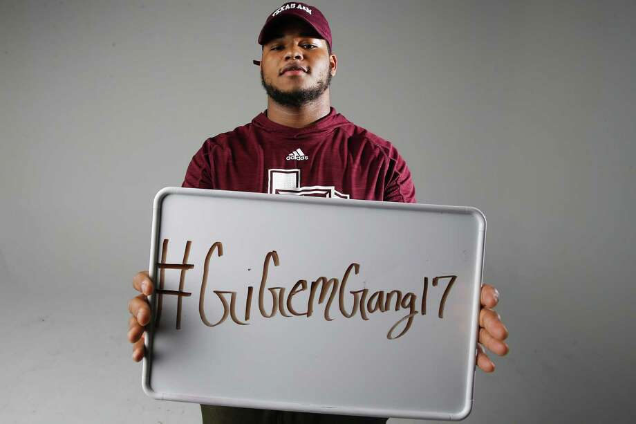 Texas A&M tight end recruit Camron Horry, the son of former Spurs player Robert Horry, poses for a portrait on Jan. 22, 2017 in Houston. Horry starred at Katy Taylor High School. Photo: Michael Ciaglo /Houston Chronicle / © 2016  Houston Chronicle