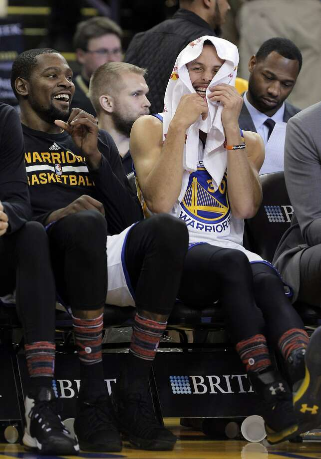 Warriors' Curry, Durant named co-Western Conference Players of the Month - SFGate