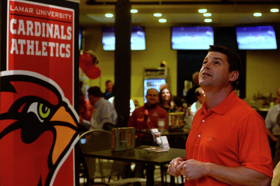 Lamar wide receivers coach Kevin Brown speaks about his recruits at Buffalo Wild Wings on Wednesday night. The event gave Cardinal Club members an opportunity to meet the coaches and learn about their recruiting class after National Signing Day.  Photo taken Wednesday 2/1/17 Ryan Pelham/The Enterprise Photo: Ryan Pelham / ©2017 The Beaumont Enterprise/Ryan Pelham