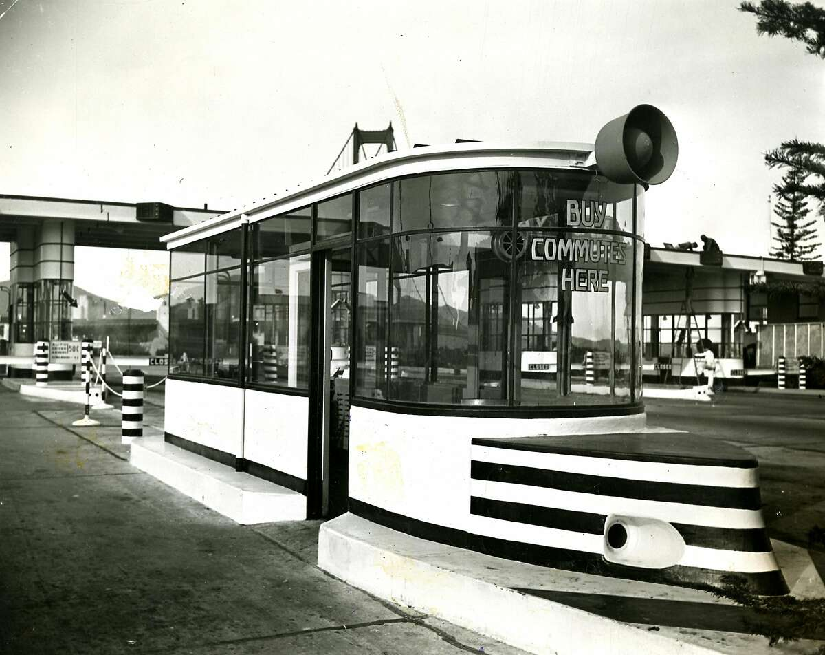 November 7, 1981: Golden Gate Bridge traffic control booth. Photo courtesy of Redwood Empire Association.
