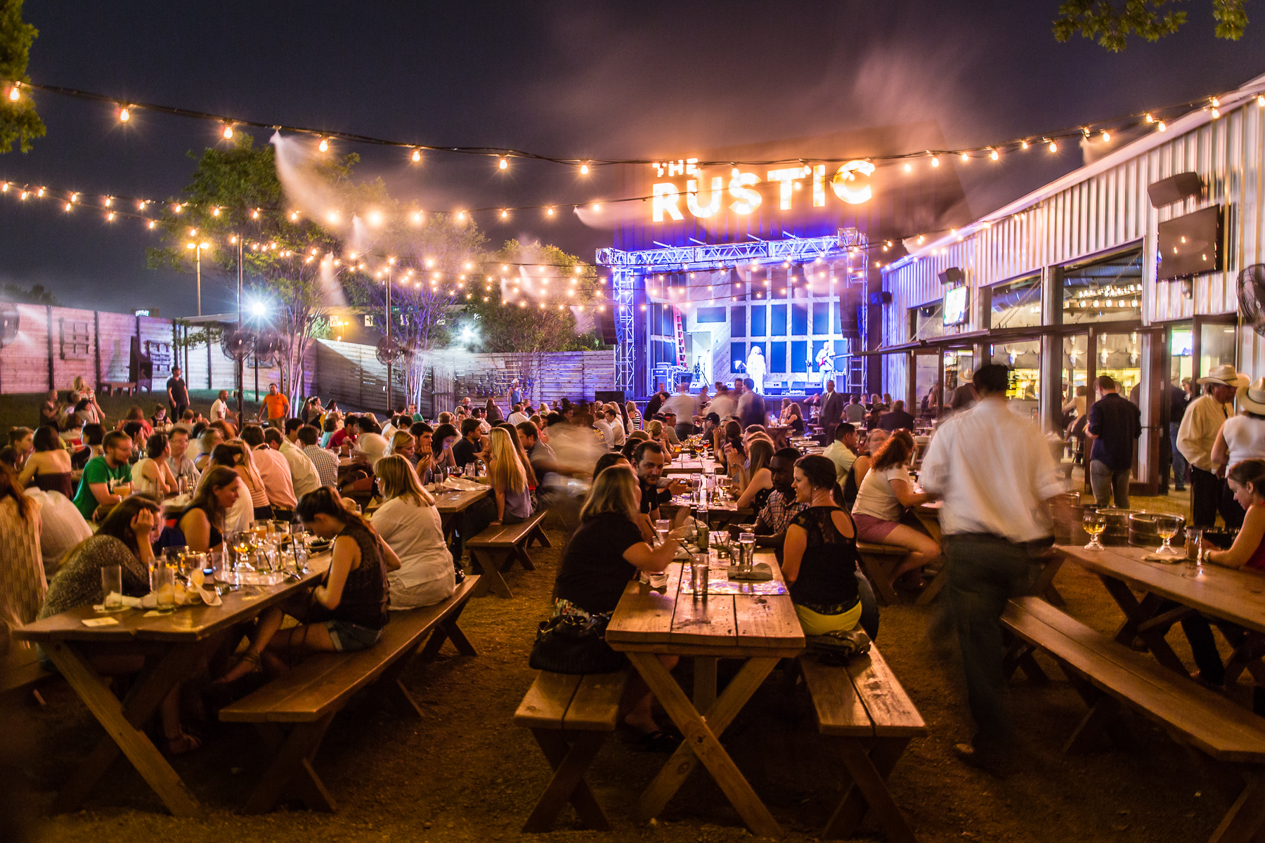 pat green's bar, restaurant & venue 'the rustic' opening in s.a.