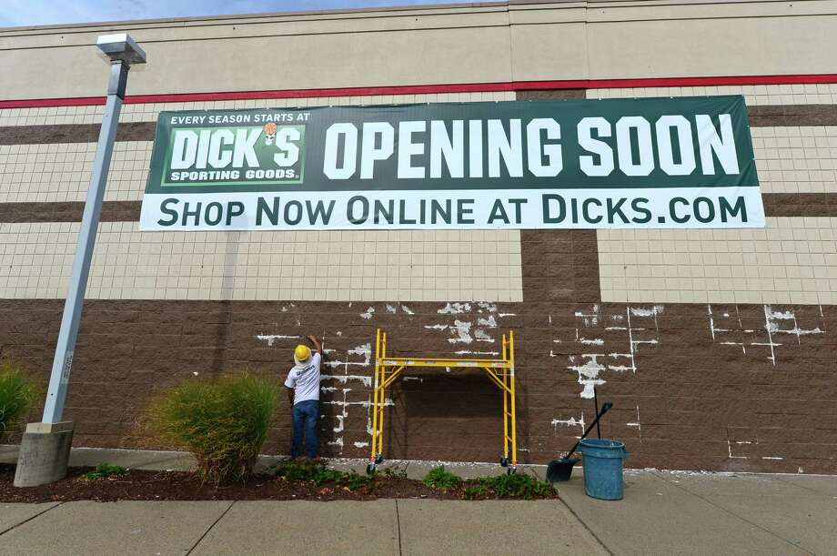 Dick's Sporting Goods plans to open its new store in Norwalk, Conn. in March 2017. Photo: Erik Trautmann / Hearst Connecticut Media / Norwalk Hour