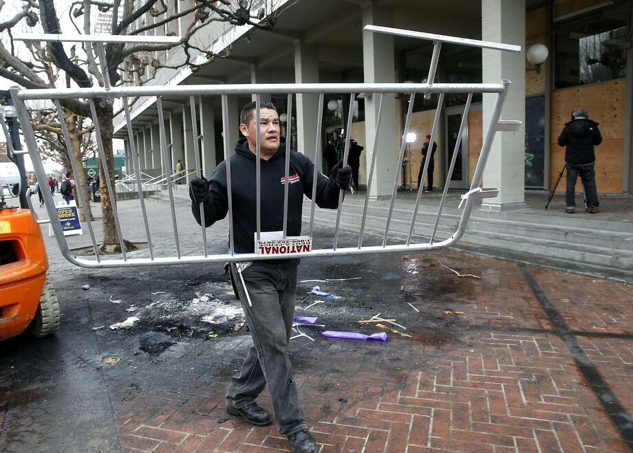 At Berkeley Yiannopoulos protest, $100,000 in damage, 1 arrest