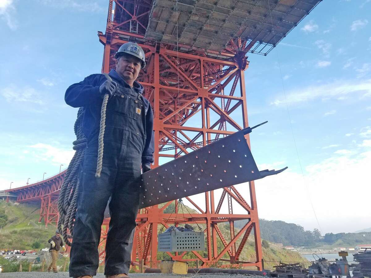 Bridge ironworker (1 of 2) Golden Gate Bridge ironworkers' duties include creating scaffolding for painters over the bridge, building access to work areas under the bridge, removing rust and corrosion from rivets and large gusset plates, sandblasting, and street-level work such as repairing parts of the toll plaza that get damaged in car crashes.