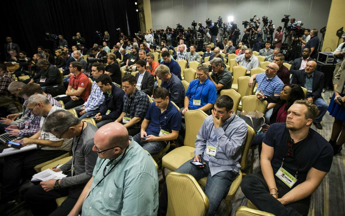 Members of the media fill a ballroom at the New England Patriots team hotel during a news conference with Patriots head coach Bill Belichick on Thursday, Feb. 2, 2017, in Houston. ( Brett Coomer / Houston Chronicle )