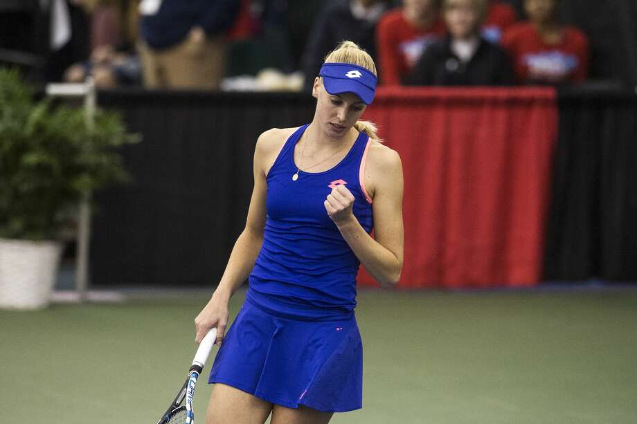 Naomi Broady celebrates scoring during the Dow Tennis Classic featured singles match on Thursday at the Greater Midland Tennis Center. Photo: Erin Kirkland/Midland Daily News