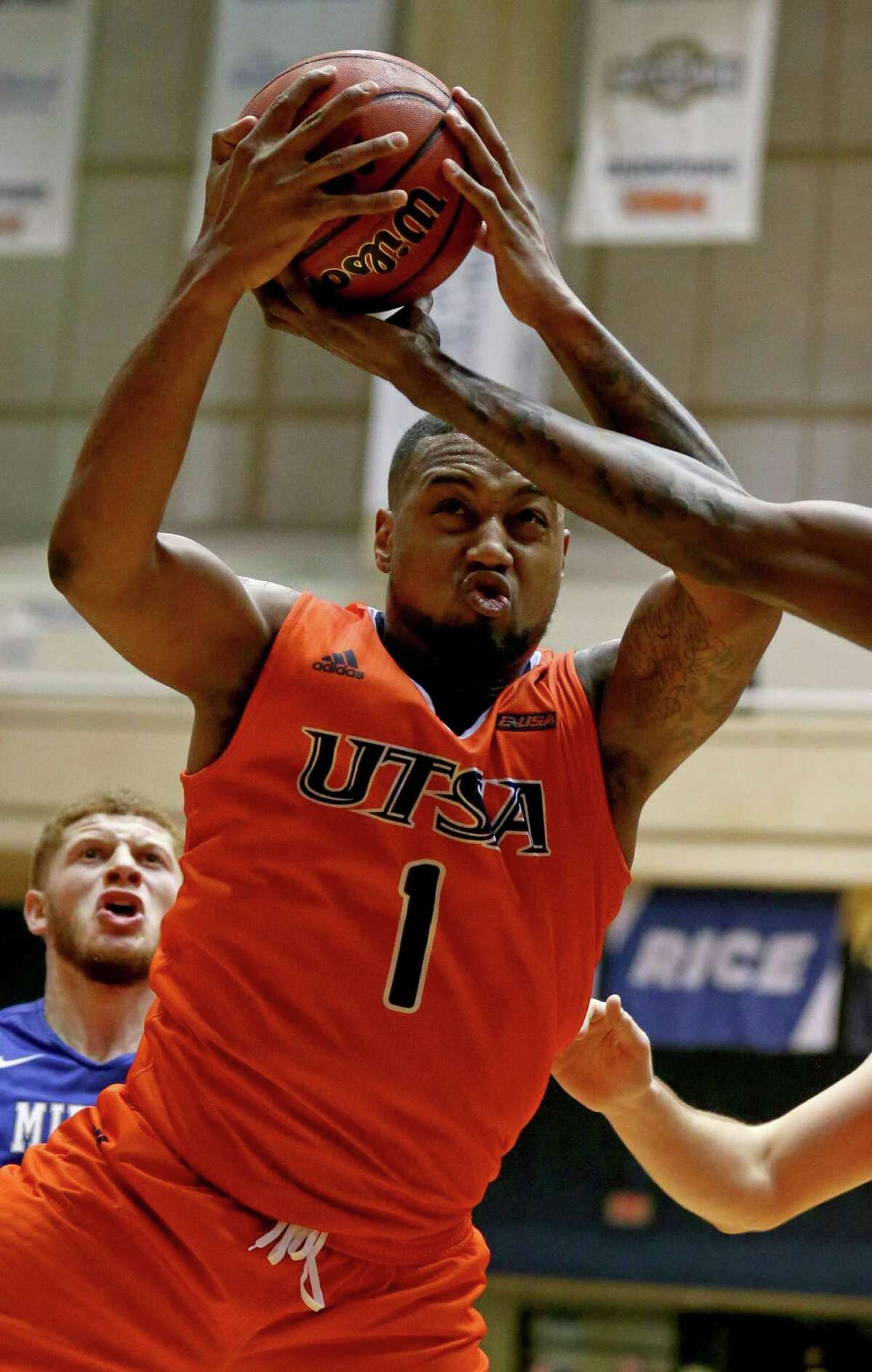 UTSA?•s Jeff Beverly grabs for a rebound during second half action against Middle Tennessee Thursday Feb. 2, 2017 at the Convocation Center. Middle Tennessee won 69-59.