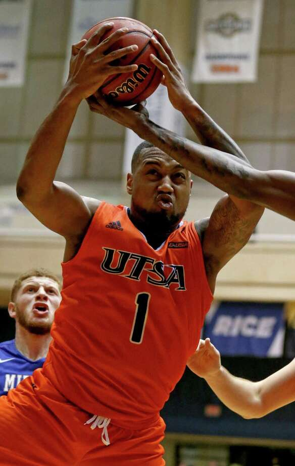 UTSAÕs Jeff Beverly grabs for a rebound during second half action against Middle Tennessee Thursday Feb. 2, 2017 at the Convocation Center. Middle Tennessee won 69-59. Photo: Edward A. Ornelas, Staff / San Antonio Express-News / © 2017 San Antonio Express-News