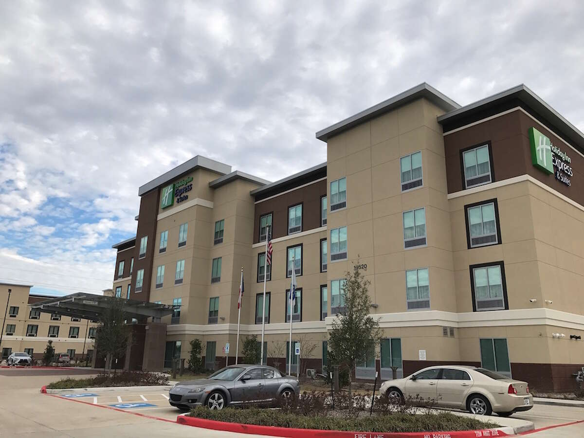 PKRS Management has purchased the recently constructed Holiday Inn Express & Suites Houston Northwest at 10520 Huffmeister from Cypress Hotels.