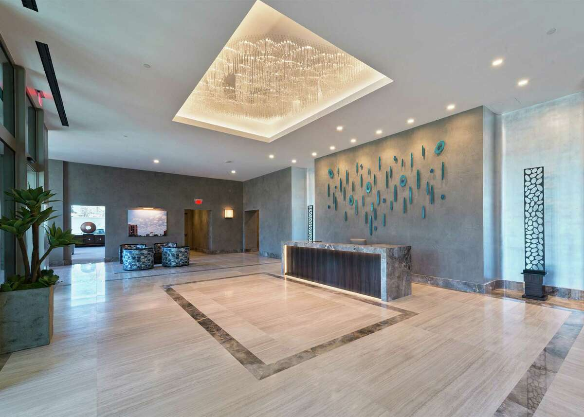 The Belfiore lobby, designed by the London-based firm Linley, is the culmination of contemporary design and refined formal living.