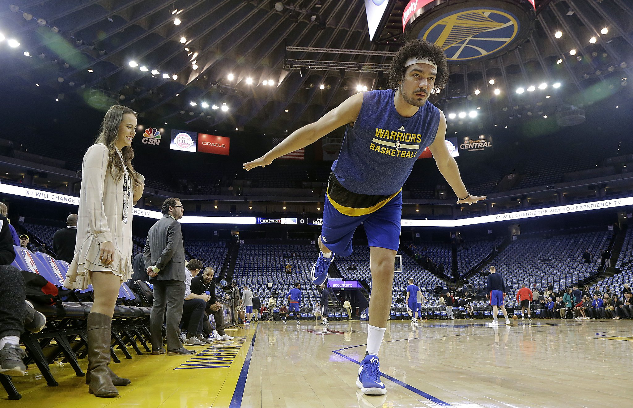 650d0e7392ef Warriors waive Anderson Varejao to add Briante Weber - SFGate