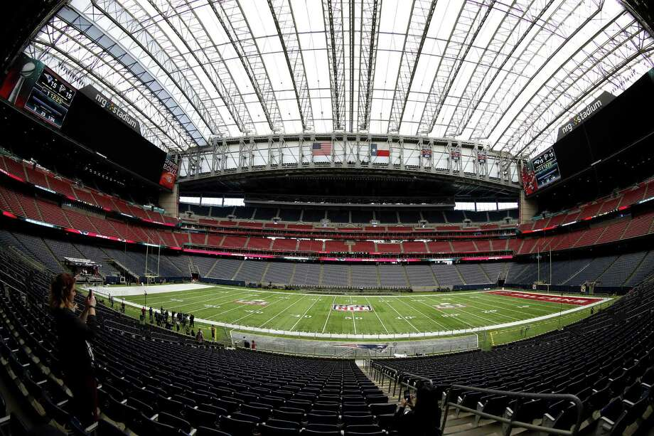Contracts won't necessarily get signed in the suites of NRG Stadium, but the decision makers from many of the country's largest corporations — from game sponsors such as Halliburton, Shell, ConocoPhillips, Sysco and General Electric to league sponsors including McDonald's, PepsiCo, Hyundai, FedEx, Visa and Verizon — will hobnob here in extravagant settings. Photo: Karen Warren /Houston Chronicle / 2017 Houston Chronicle