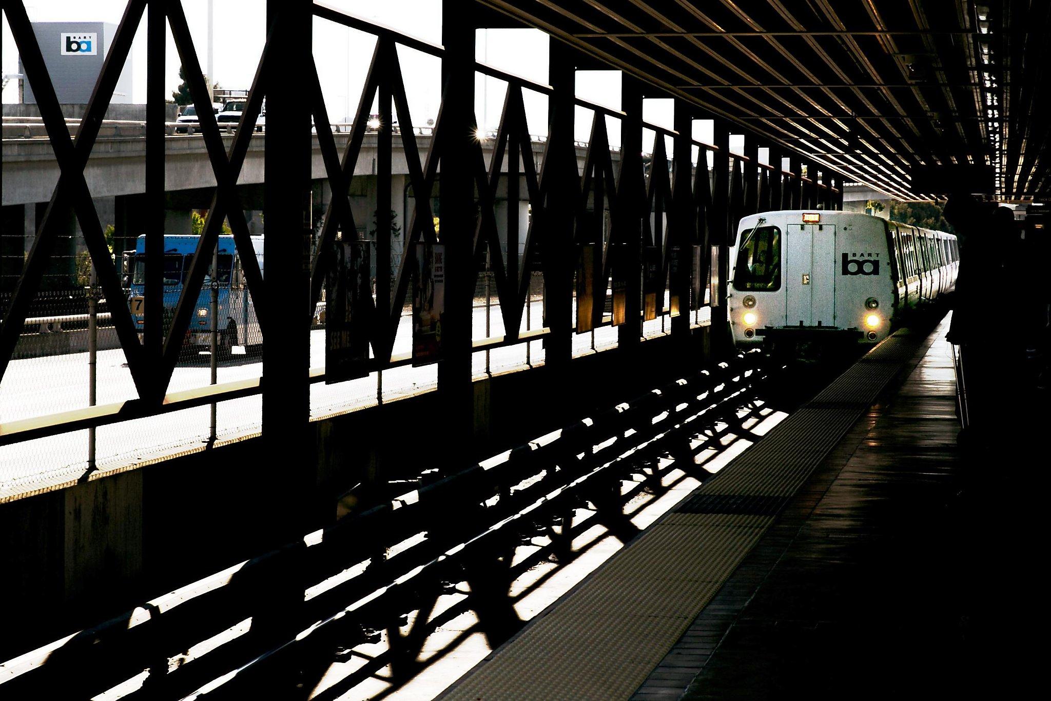 richmond bound train announces - HD2048×1366