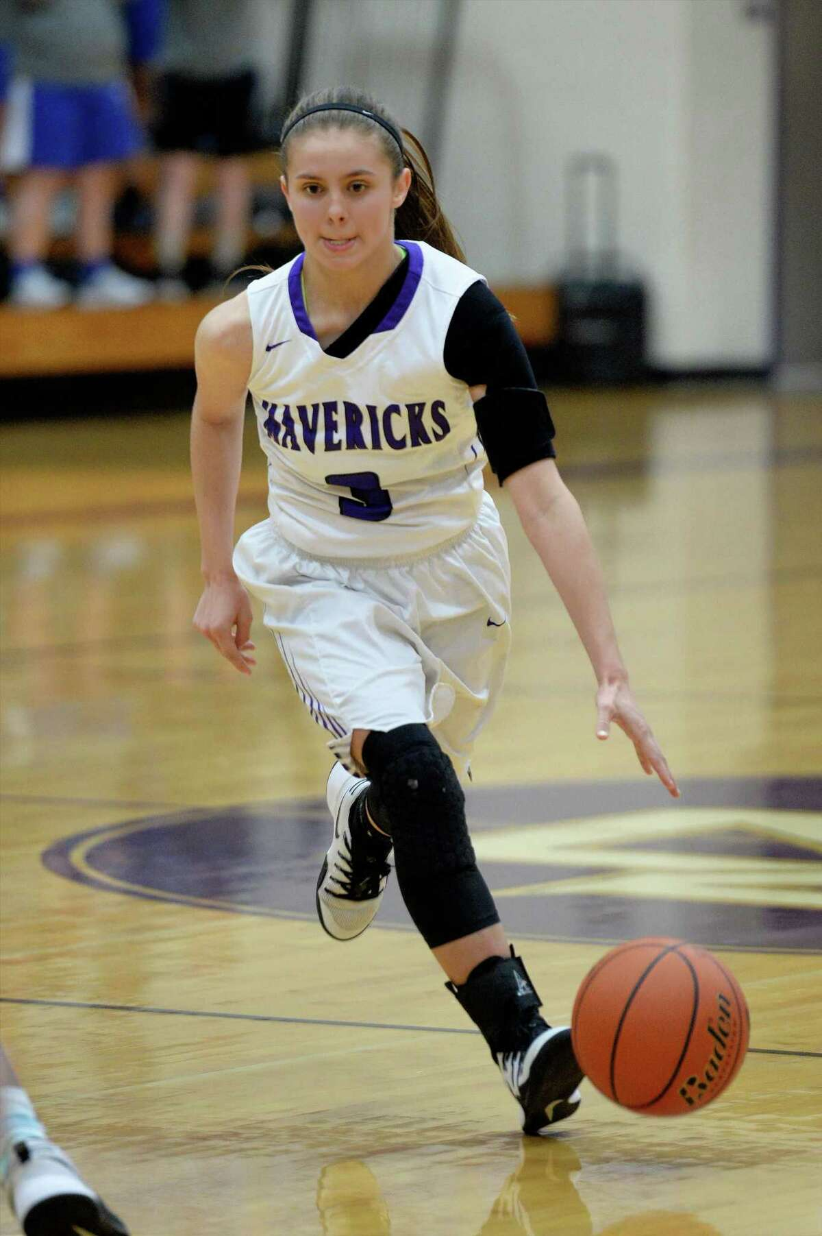 Samantha Washburn (3) of Morton Ranch dribbles past mid-court during the second half of a girls basketball game between the Morton Ranch Mavericks and the Taylor Mustangs on Tuesday January 31, 2017 at Morton Ranch High School, Katy, TX.