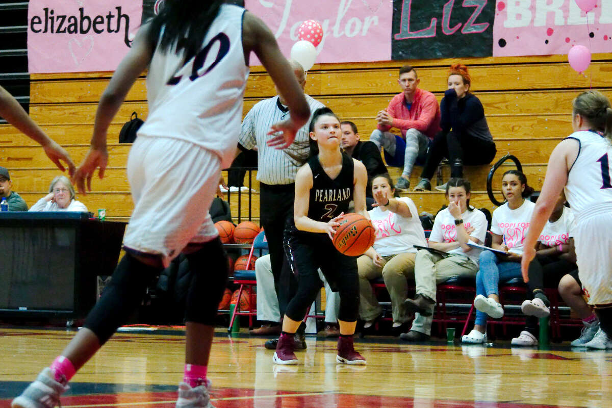 Pearland's Macey Braswell (2) sets up to take a shot against Dawson Friday, Feb. 3 at Dawson High School.