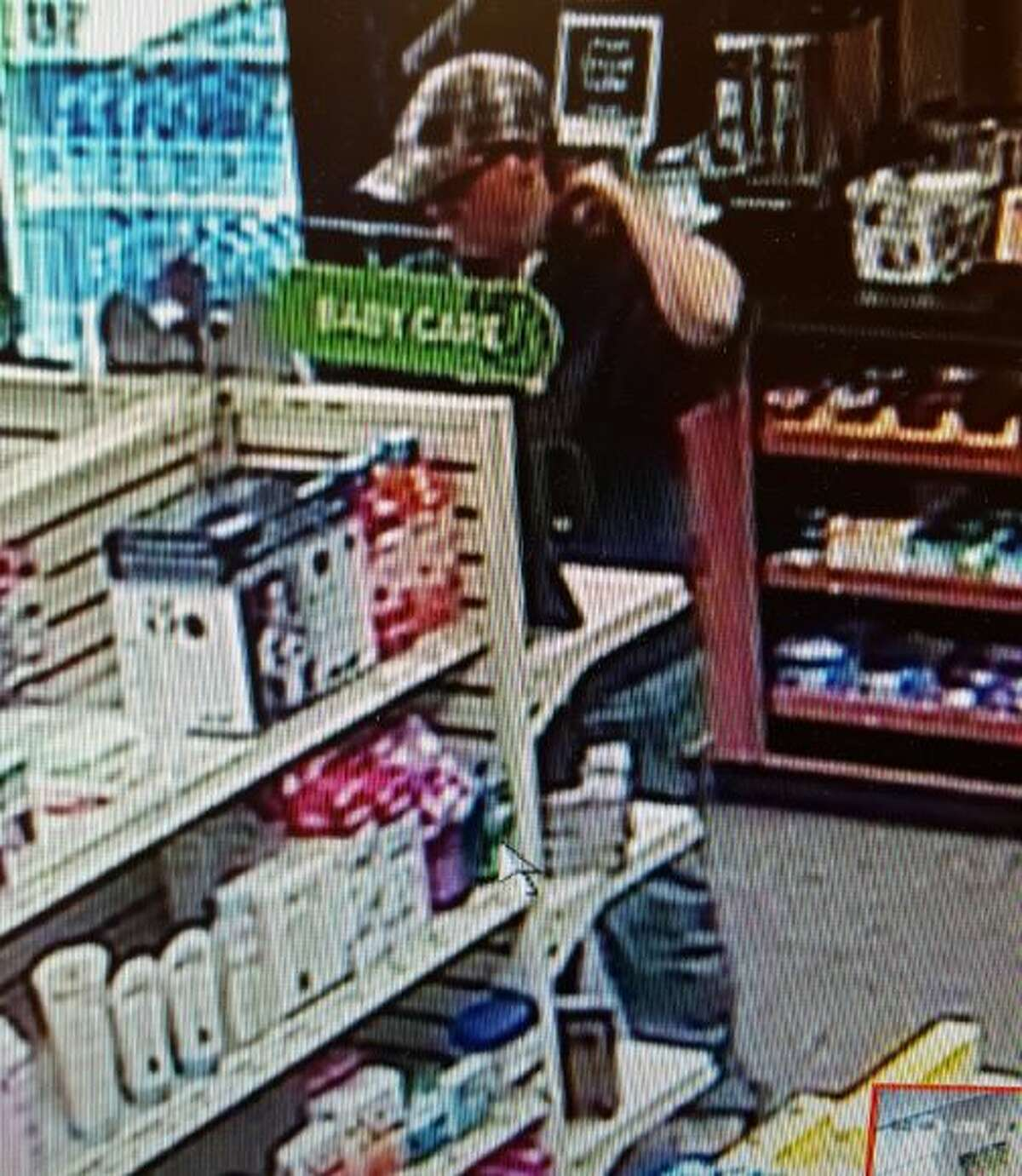 Montgomery County SheriffÂ?'s deputies were dispatched just after 2 p.m. Friday to a robbery at the ACP Pharmacy inside the St. LukeÂ?'s Hospital Medical Arts Building at 17350 St. LukeÂ?'s Way in The Woodlands.A white female, appearing to be in her 20s, dressed in a gray baseball cap, gray hoodie and blue jeans walked into the pharmacy and pointed a small-framed revolver at the pharmacist behind the counter.