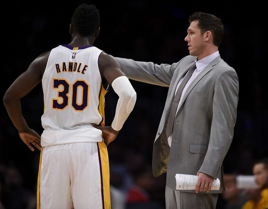 Julius Randle is part of a talented group that has yet to jell for Lakers head coach Luke Walton. Photo: Kelvin Kuo, Associated Press