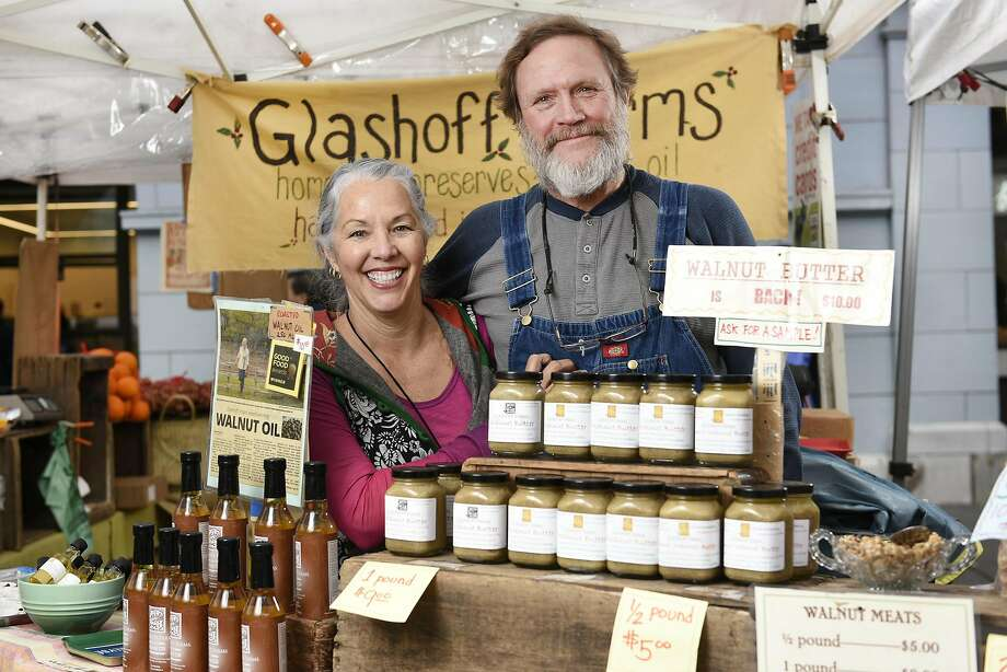 Maria and Larry Glashoff of Glashoff Farms at their booth at the Ferry Plaza Farmers Market in S.F. Photo: Michael Short, Special To The Chronicle