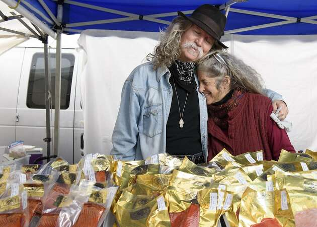 For farmers, love is always in season at SF Ferry Plaza market