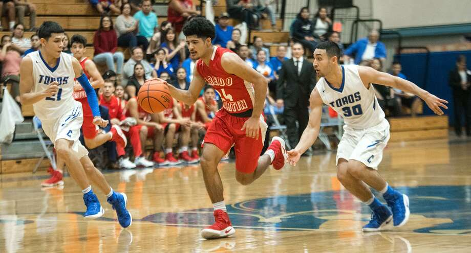 Mathew Duron and Martin travel to face Edgar Fraga (30) and Cigarroa at 3 p.m. Saturday with control atop District 31-5A on the line. Photo: Danny Zaragoza /Laredo Morning Times File / Laredo Morning Times