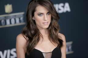 Allison Williams on the red carpet of the NFL honors night at the Wortham Theater Center on Saturday, Feb. 4, 2017, in Houston. ( Elizabeth Conley / Houston Chronicle )