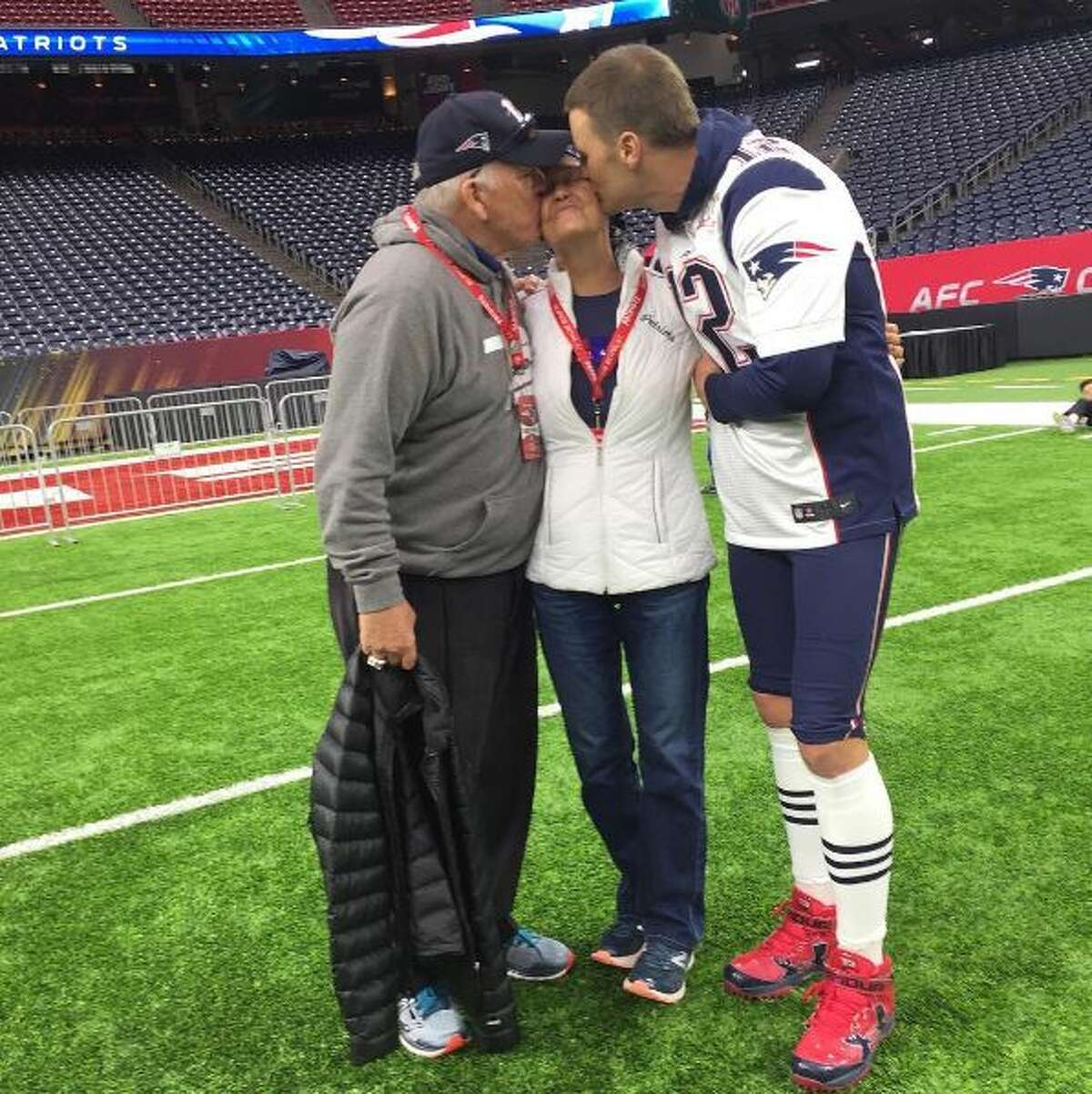 Tom Brady with his parents before Super Bowl LI in Houston.