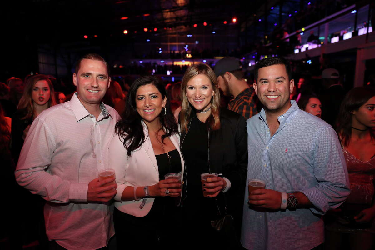 People arrive at Club Nomadic before Taylor Swift performs Saturday, Feb. 4, 2017 in Houston.