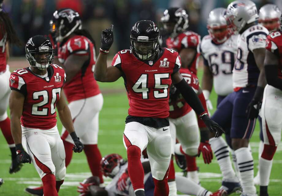 HOUSTON, TX - FEBRUARY 05:  Deion Jones #45 of the Atlanta Falcons reacts after a play in the first quarter against the New England Patriots during Super Bowl 51 at NRG Stadium on February 5, 2017 in Houston, Texas.  (Photo by Patrick Smith/Getty Images) Photo: Patrick Smith/Getty Images