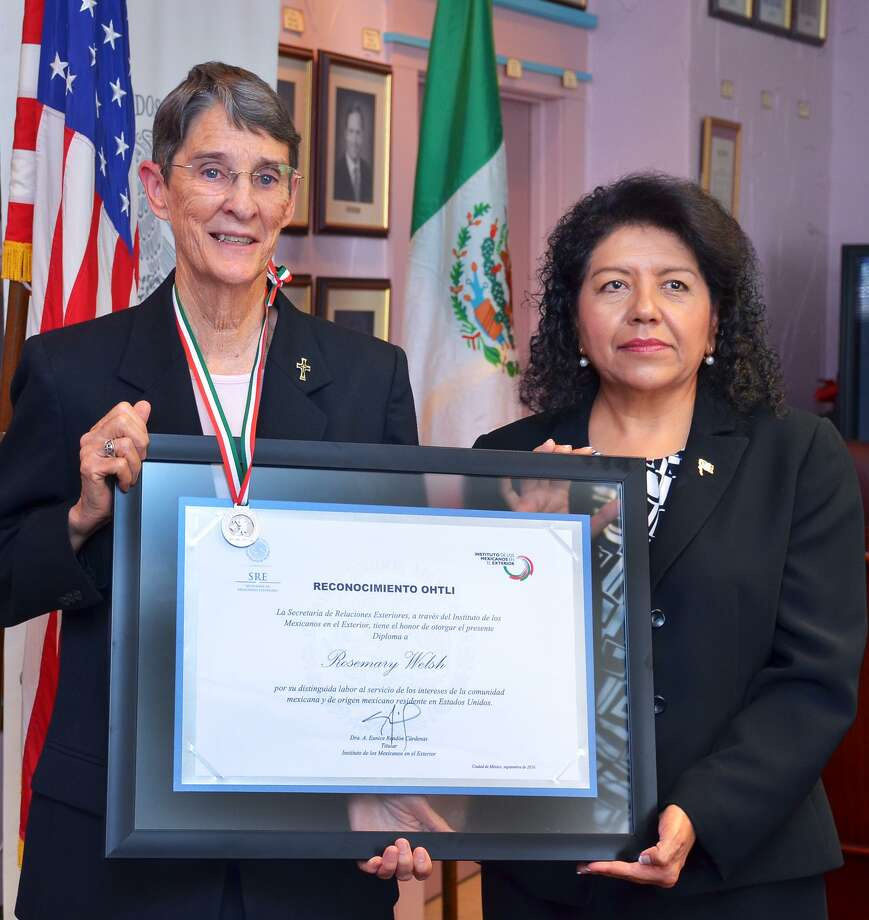 Sister Rosemary Welsh (left) is shown in this file photo. Photo: Cuate Santos / Laredo Morning Times / Laredo Morning Times