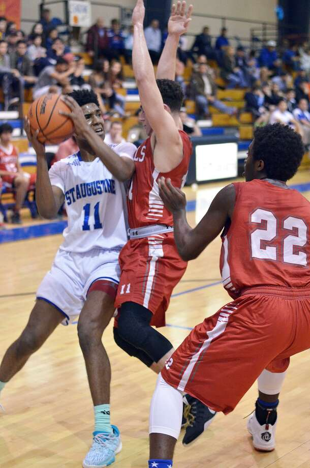 D'Andre Griffin combined for 51 points in a pair of wins Thursday as St. Augustine advanced to the semifinals at the San Diego Tournament. Photo: Cuate Santos /Laredo Morning Times File / Laredo Morning Times