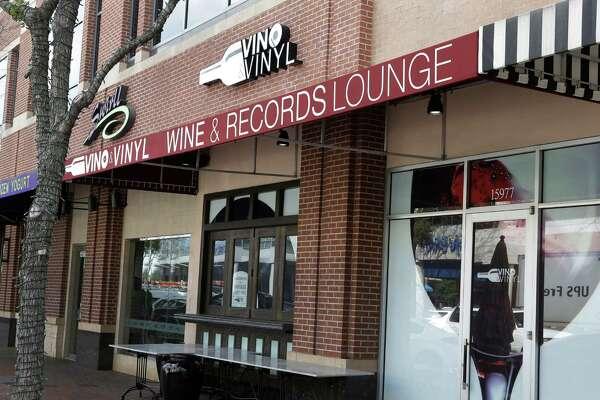 Vino And Vinyl Sugar Land