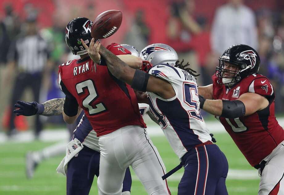 1. Up eight, with under five minutes to play, the Falcons had a first down at the Patriots' 24. They merely needed to run three times and then try a 41-yard field goal in a domed stadium to go up 11 points. Instead, Shanahan called a pass and 2nd-and-11 and the ensuing sack and then a holding call lifted the Falcons out of field goal range. That opened the door for the Patriots comeback. Photo: Patrick Smith, Getty Images