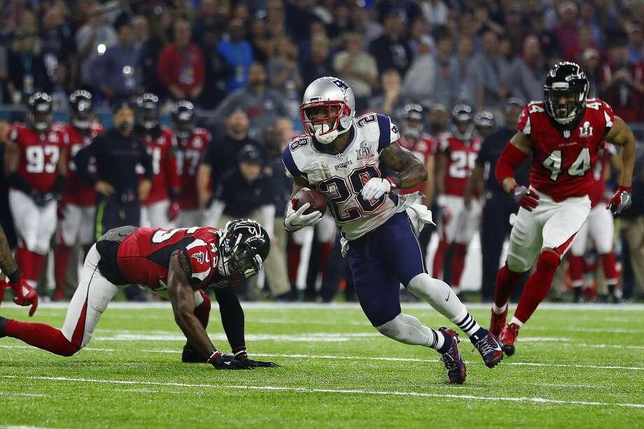 New England Patriots running back James White runs the ball during the second half of Super Bowl LI at NRG Stadium on Sunday, February 5, 2017. ( Karen Warren / Houston Chronicle ) Photo: Karen Warren/Houston Chronicle