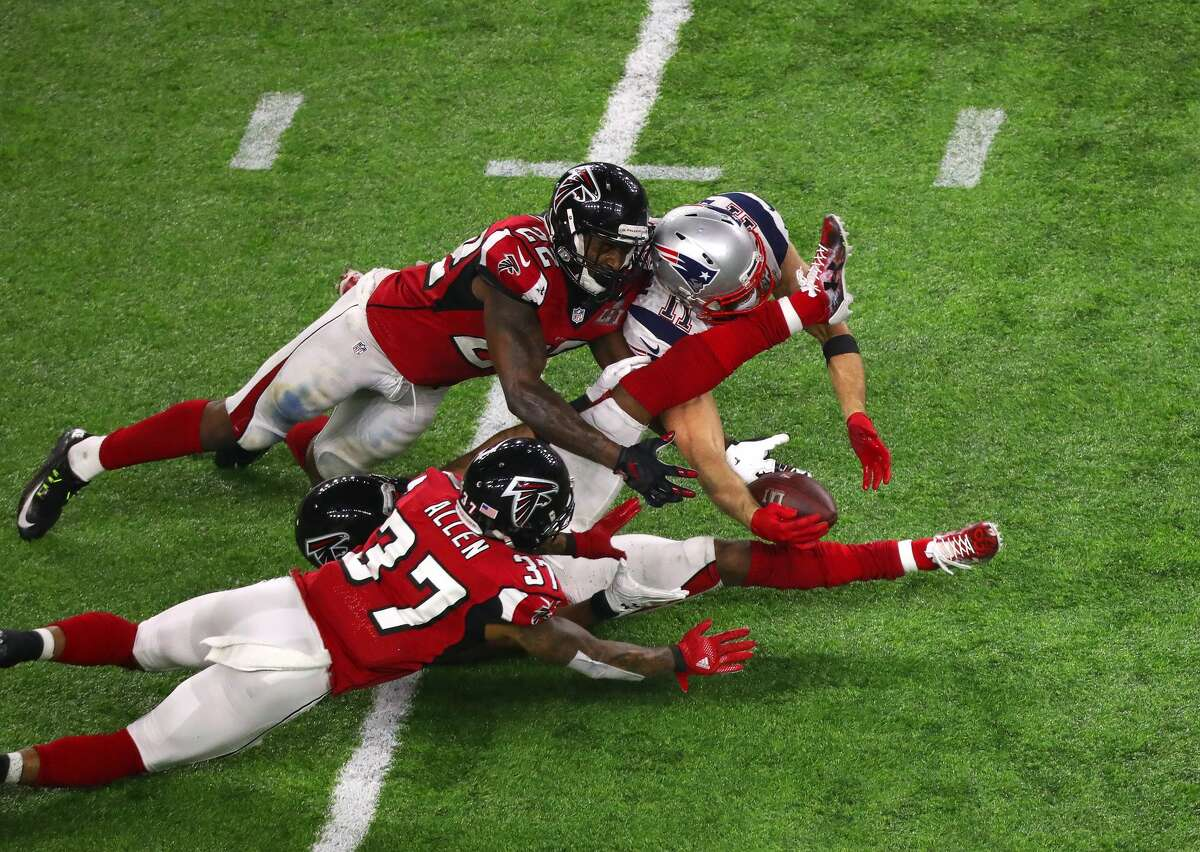 New England Patriots wide receiver Julian Edelman cathes a pass during the second half of Super Bowl LI at NRG Stadium on Sunday, Feb. 5, 2017 in Houston. ( Michael Ciaglo / Houston Chronicle )