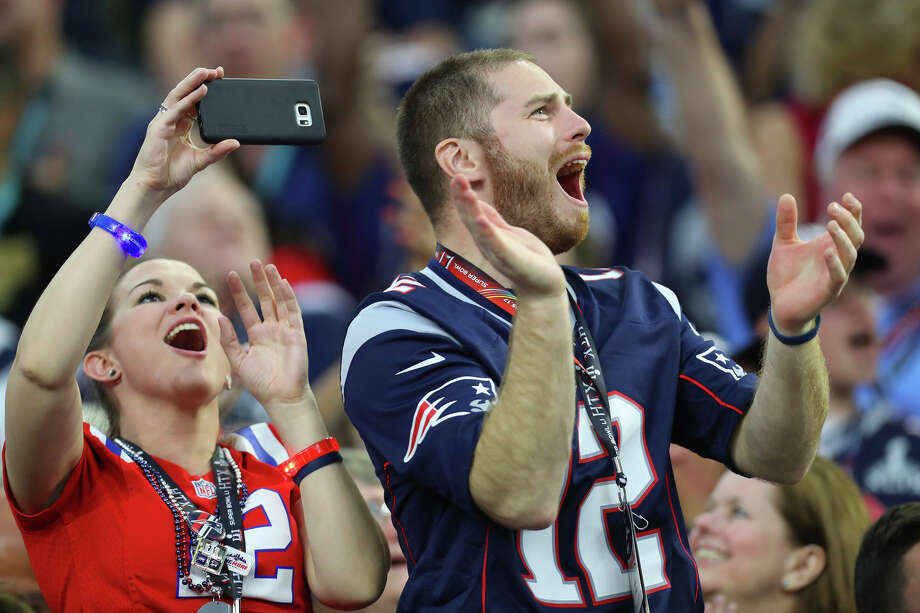 Internet reacts to New England's comebackNew England Patriots fans cheer during the first quarter of Super Bowl LI at NRG Stadium on Sunday, Feb. 5, 2017, in Houston.Keep going to see how the internet reacted to the Patriot's incredible comeback. Photo: Brett Coomer/Houston Chronicle