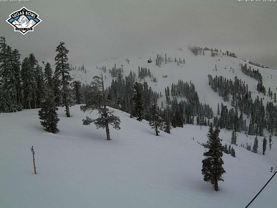 Current conditions Sugar Bowl Nob Hill at on Feb. 6, 2017. Photo: Tahoetopia.com