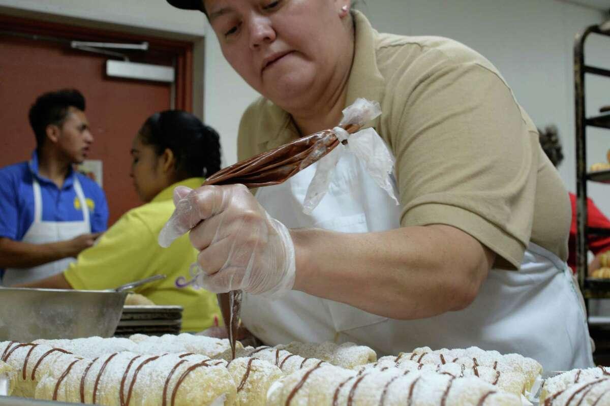Sandra Guerra at work in El Bolillo in Houston.