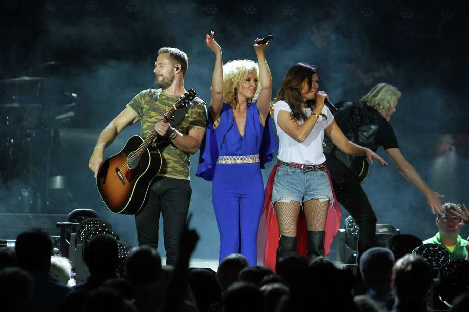 Little Big Town performing at the Woodlands.  (For the Chronicle/Gary Fountain, October 20, 2016) Photo: Gary Fountain, For The Chronicle / Gary Fountain/For The Chronicle / Copyright 2016 Gary Fountain