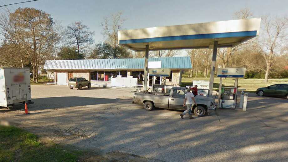 BATSON GROCERY & DELIWhere: 42784 Hwy. 105, BatsonScore: 98/100Comments: Shelving not 6 inches off the ground, cooler door needs cleaning, relocate dirty towels, organize cleaning shelf, need to have thermometers in all appliances Photo: Google Maps