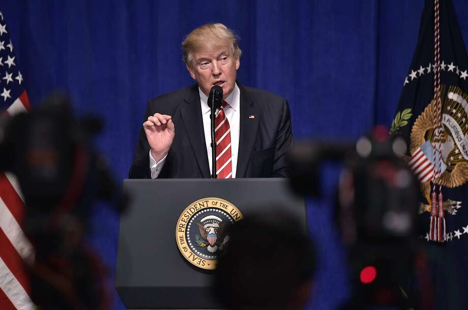 US President Donald Trump speaks following a visit to the US Central Command and Special Operations Command at MacDill Air Force Base on February 6, 2017 in Tampa, Florida. Photo: MANDEL NGAN, AFP/Getty Images