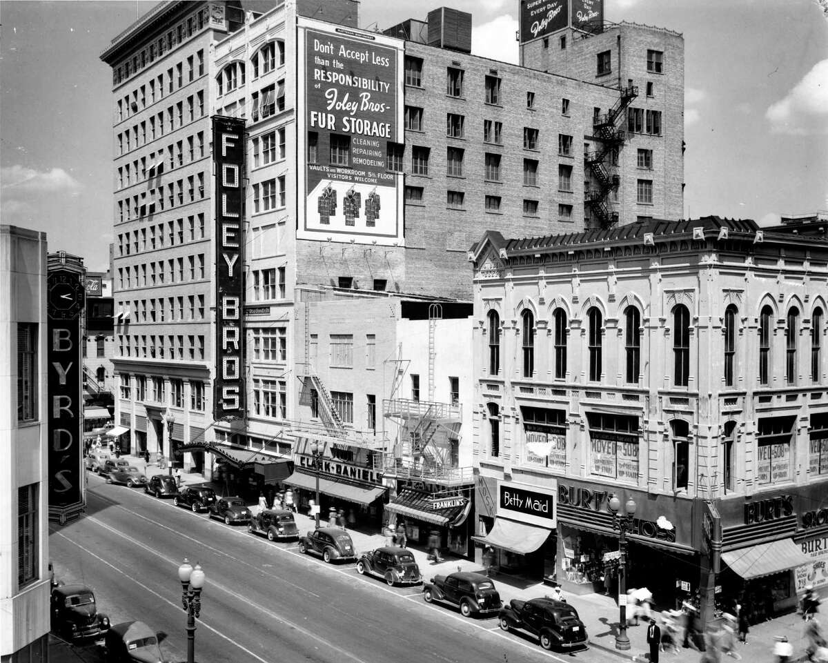 1947 - Foley Bros. department store on Main Street in Houston
