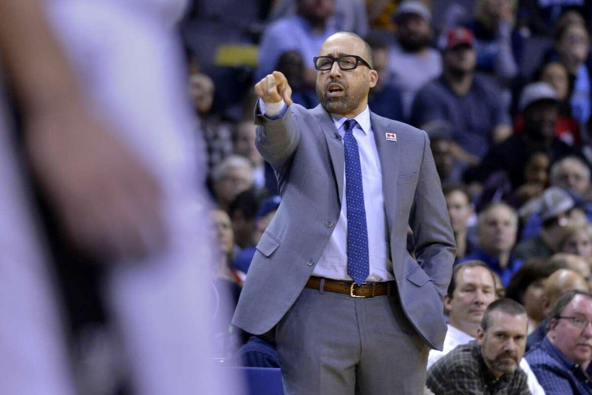 Memphis Grizzlies head coach David Fizdale calls to players in the first half of an NBA basketball game against the San Antonio Spurs, Monday, Feb. 6, 2017, in Memphis, Tenn. (AP Photo/Brandon Dill)
