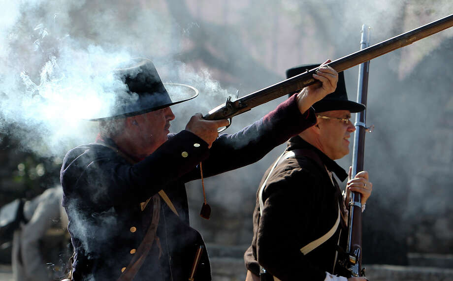 """History is not a recitation of unchanging """"facts"""" about the past; it is  about understanding the context in which past events occurred. In this photo: A reenactment of the battle for the control of San Antonio. Photo: KIN MAN HUI, SAN ANTONIO EXPRESS-NEWS / kmhui@express-news.net"""