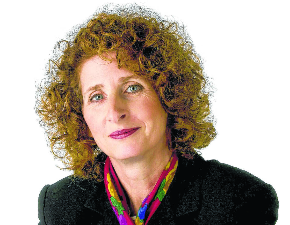 Gail MarksJarvis is an award-winning financial columnist for the Tribune, a TV commentator and the author of the Excellence In Financial Literacy Education Awards book of the year winner, éƒÂSaving for Retirement (Without Living Like a Pauper or Winning the Lottery.éƒÂ é¢?Her columns on the economy, markets and personal finance strategies cut through investing hype and the get-rich-quick strategies that often leave people licking their financial wounds.