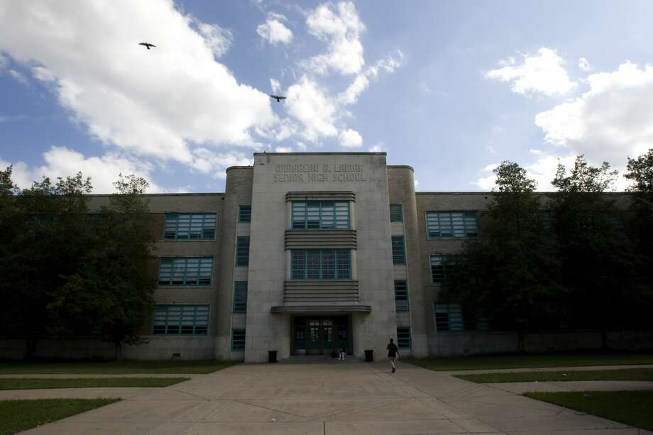Using data obtained from the Texas Education Agency (TEA), Chron.com analyzed and discovered the Houston-area high schools with the most drug problems in 2016.Swipe through to see where your school ranks. Photo: Johnny Hanson/Houston Chronicle