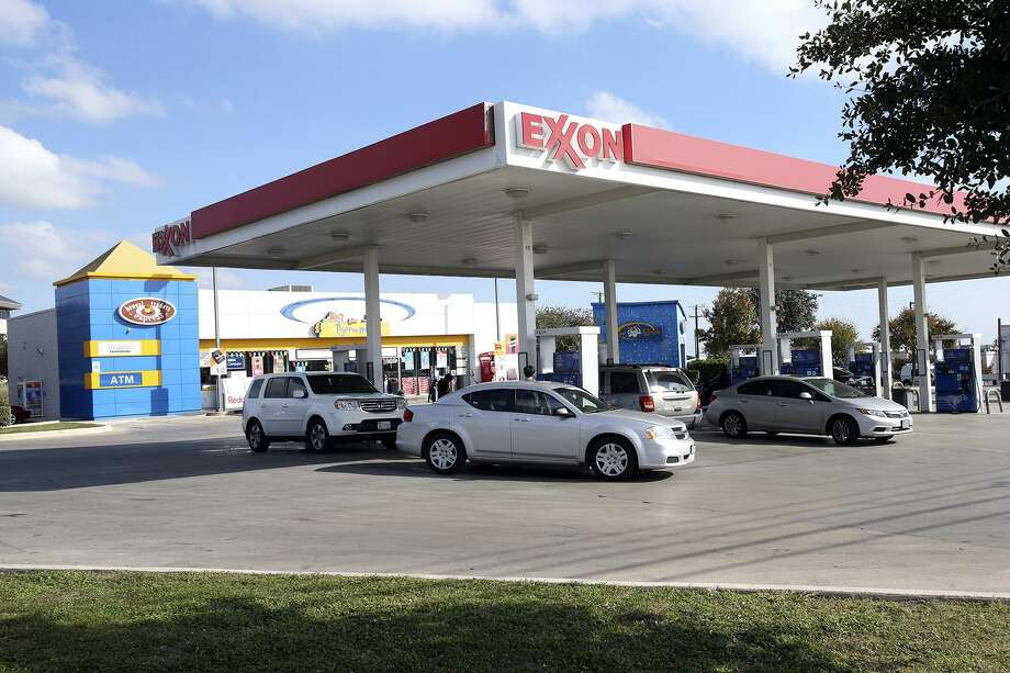 This Exxon gas station at 13687 W. Interstate 10, as seen in 2013, was among 39 San Antonio-area stations sold by Exxon Mobil Corp. in 2011. The stations became the subject of a lawsuit that has been settled. Photo: San Antonio Express-News /File Photo