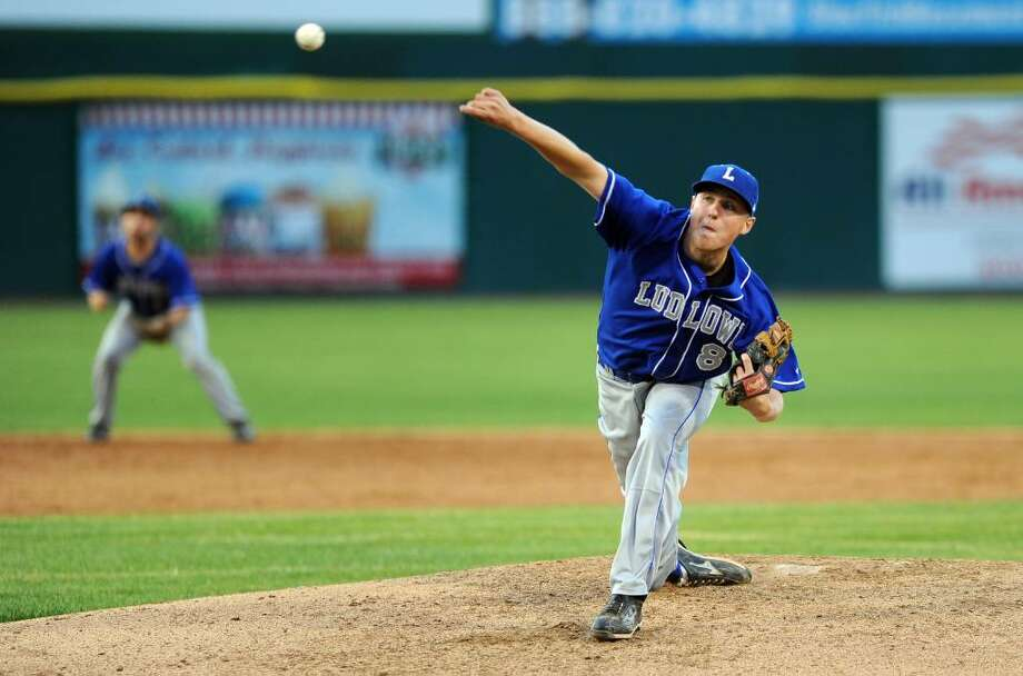 Fairfield Ludlowe's Kevin Lambert pitches during the FCIAC Baseball Championship game against Greenwich Thursday May 27, 2010 at the Ballpark at Harbor Yard in Bridgeport. Photo: Autumn Driscoll / Connecticut Post