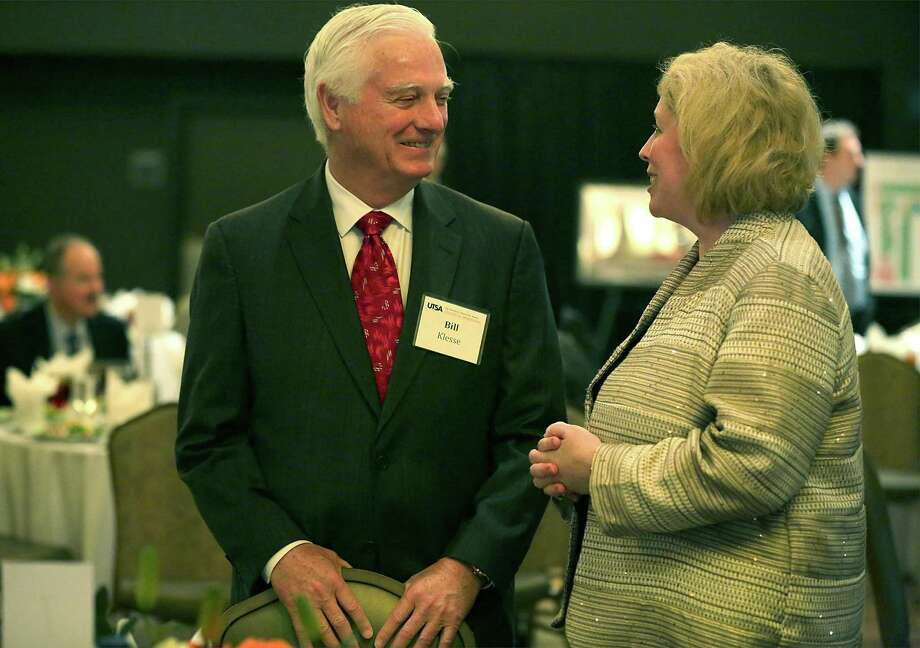 JoAnn Browning, right, Dean, College of Engineering at UTSA, speaks with Bill Klesse of the Klesse Foundation at a luncheon at UTSA. Browning made the announcement that the UTSA new chemical engineering program has received a $1 million donation from the Klesse Foundation to get the program started, on Tuesday, Feb. 7, 2017. Photo: Bob Owen, Staff / San Antonio Express-News / ©2017 San Antonio Express-News